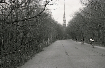 Roman-Korec-photography-People-at-the-Edge-of-Eden-2003-023